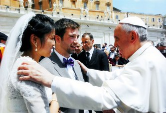 pope-francis-one-man-one-woman-marriage-original-pic