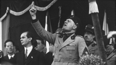 Bundesarchiv_Bild_2102-09844_Mussolini_in_Mailand-464x261