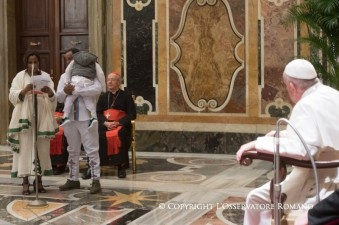 migrants-and-pope-francis